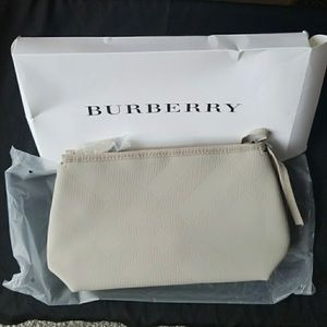 NWOT Burberry Cosmetic Case / Pouch 100% AUTHENTIC